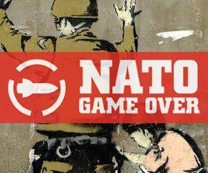 Målning av flicka som visiterar soldat, och Nato Game Overs logotyp