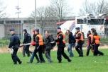 Aktivister  och poliser under aktionen